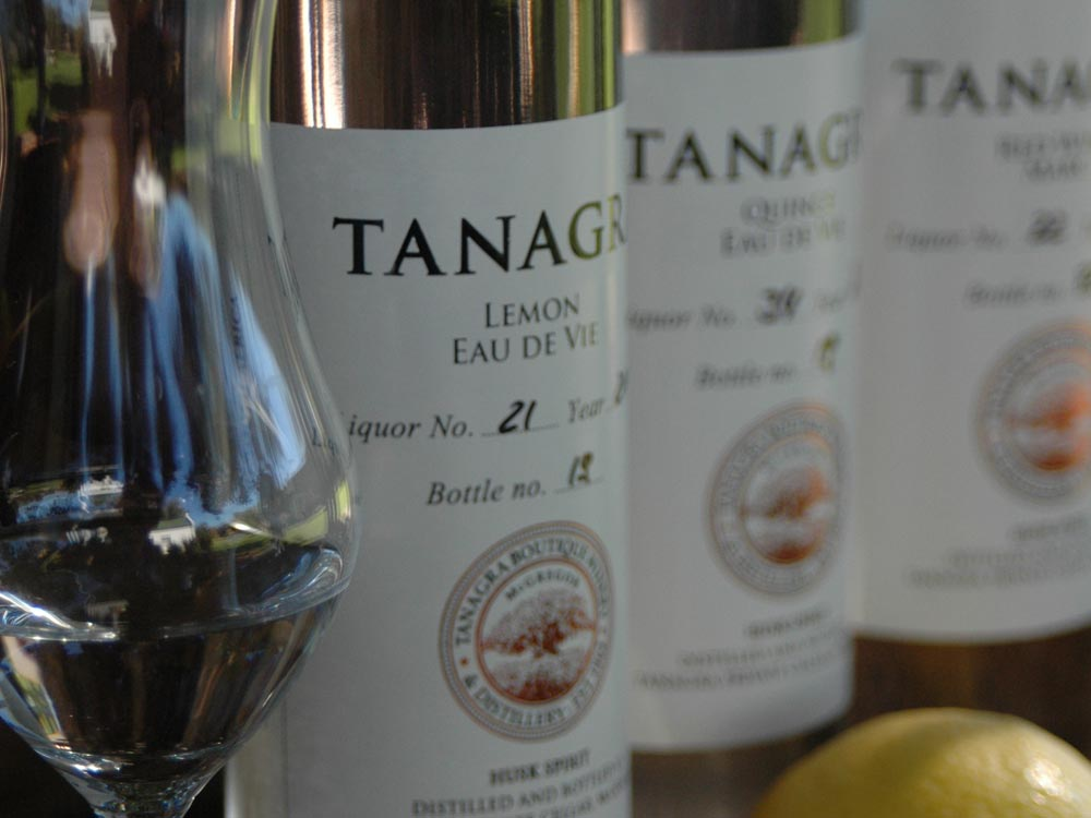 MCG-MEANDER-Tanagra2-grappa-bottles